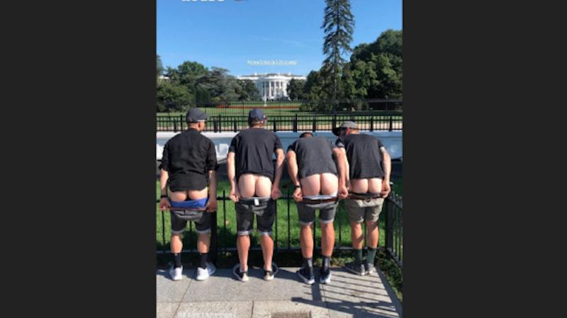 Cyclisme: Nino Schurter montre ses fesses à la Maison-Blanche et risque la sanction