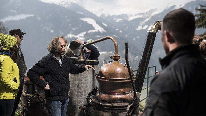 Dans le cadre du marché des producteurs de Sarreyer ce week-end, Matthieu Frécon proposera des démonstrations à la distillerie Edelweiss.