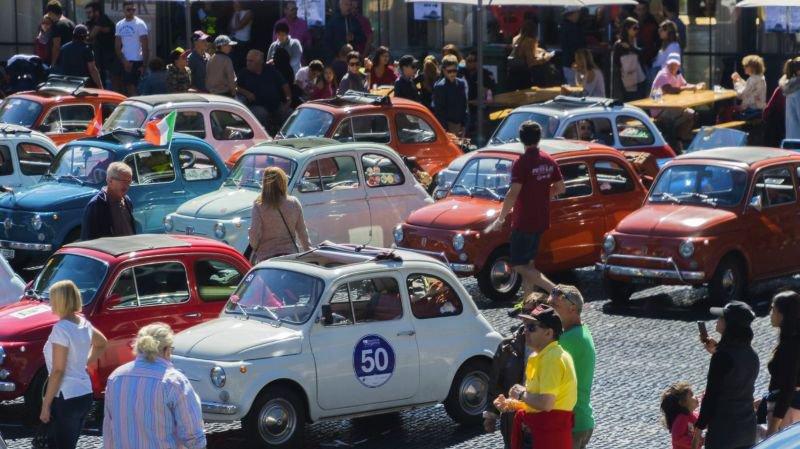 De nombreuses voitures de collection sont attendues à Crans-Montana ce week-end lors du 15e Meeting international de Fiat 500 & Vespa.