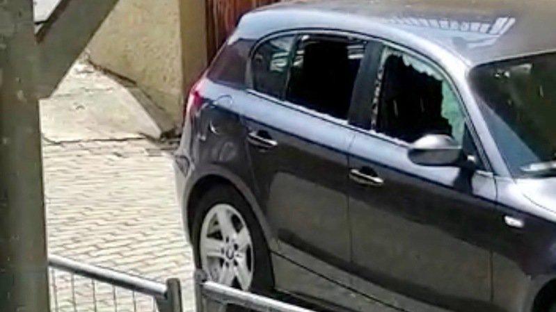 Fully: à coups de cailloux contre une voiture