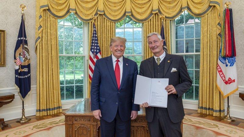 L'ambassadeur valaisan Jacques Pitteloud chez Donald Trump