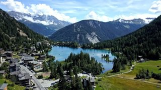 «Le Valais depuis les airs»: vol au-dessus de Champex-Lac