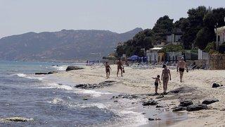 Italie: deux touristes risquent la prison pour avoir volé 40kg de sable sur une plage