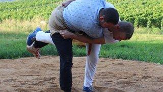 Lutte suisse: Deux Valaisans dans l'arène à Zoug