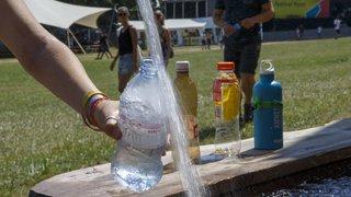 Santé: les microplastiques dans l'eau présentent encore peu de risques