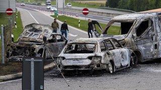 Vaud: deux fourgons attaqués à la kalachnikov