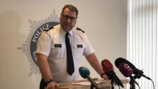 Irlande du Nord: une bombe explose près de la frontière irlandaise, pas de victime