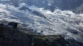 «Le Valais depuis les airs»: vol au-dessus de Saas Fee