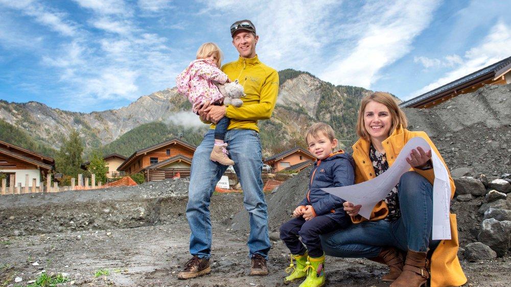 Dans quelques mois, Louane, Stefan, Mathis et Magali emménageront dans leur maison bioclimatique sur ce terrain de Vollèges.