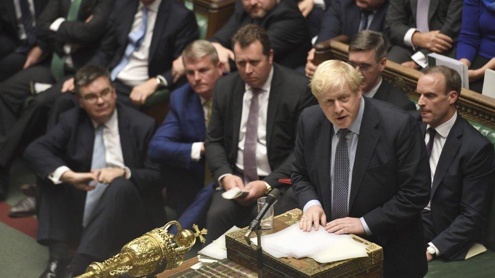 Johnson face  aux «naufrageurs du Brexit»