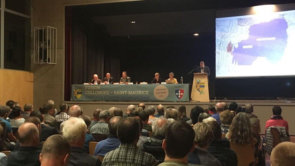 Quelques 120 personnes se sont rendues à la soirée d'information à Collonges, à un mois et demi du vote sur la fusion avec Saint-Maurice.