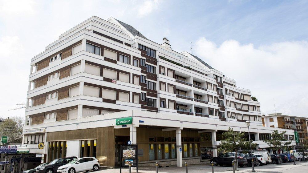 Le Continental revêt un caractère symbolique. Il fait face à la parcelle où Radovan Vitek projette un hôtel à 200 millions de francs.