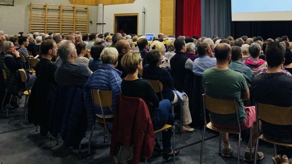 L'assemblée extraordinaire d'Evolène a fait salle comble jeudi soir.