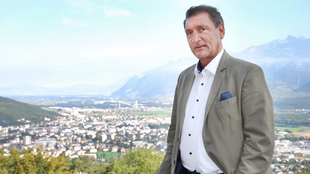 Monsieur Chablais prend sa retraite cette semaine, après quarante ans d'engagement.