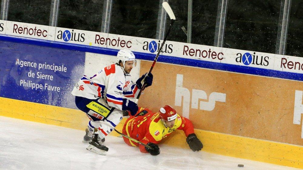 Kenny Fellay trébuche au duel avec Kaj Suter.
