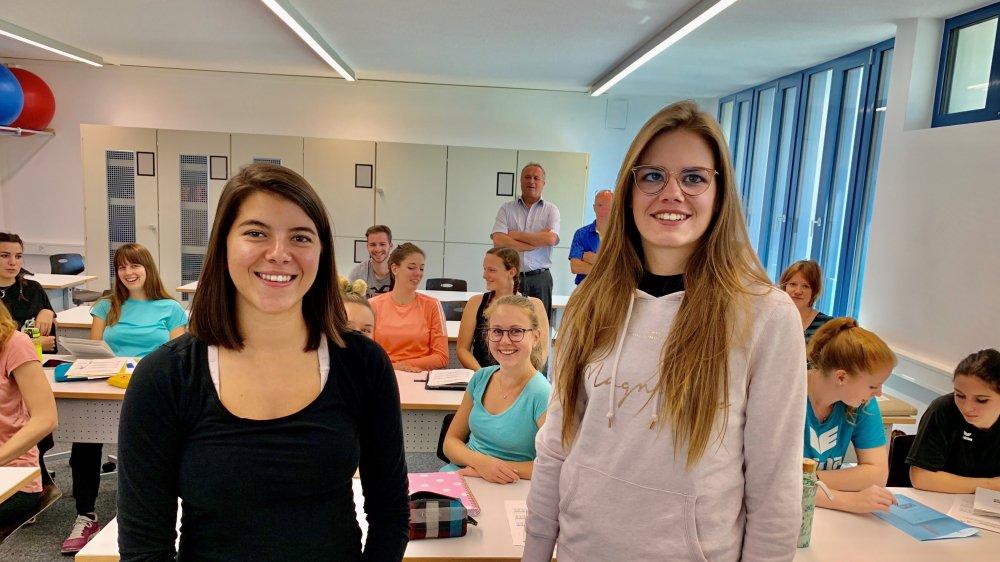 Gaëlle Sinnaeve et Mathilde Fournier ont pris en charge une classe de 7H à Zermatt alors qu'elles sont encore étudiantes. Cette semaine, elles suivaient leur formation à Brigue tandis que leurs élèves étaient en vacances.