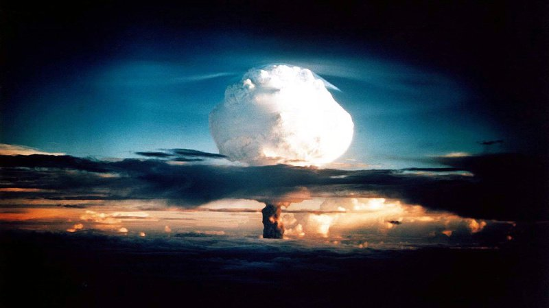 Les Etats nucléaires augmentent leur armement, élargissent le type d'armes et rendent leur utilisation plus facile.