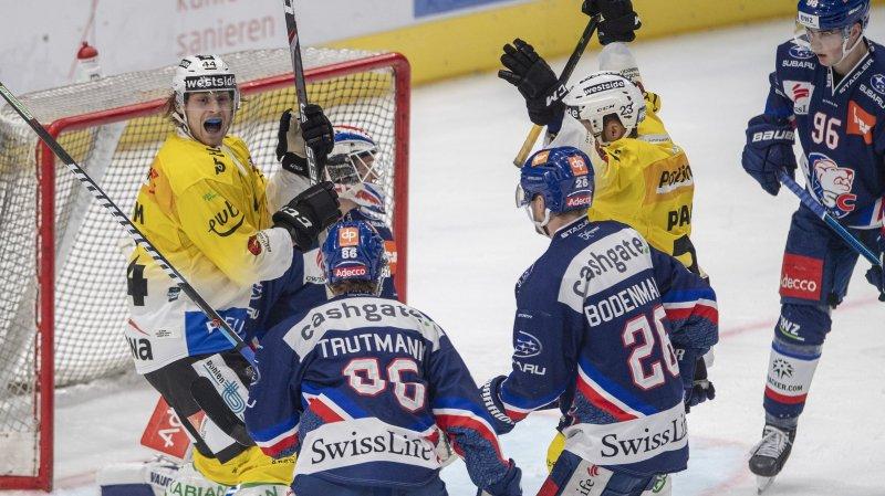 Vincent Praplan (en jaune à droite) a livré deux assists contre Langnau.