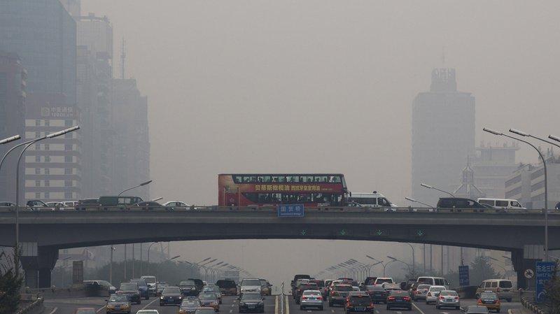 Chine: un car percute un poids lourd, au moins 36 morts