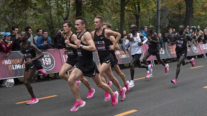 Marathon: le Kényan Eliud Kipchoge est le premier homme à courir en moins de 2 heures