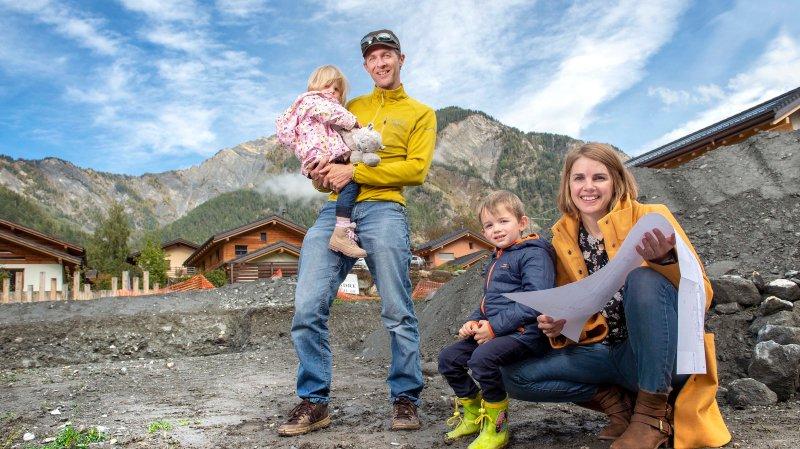 Valais: Le défi des Carron? Construire leur maison durable et saine sans exploser leur budget