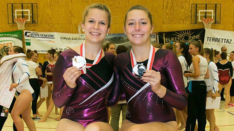 Marie Théodoloz et Erine Pugin, médaillées à Sion.