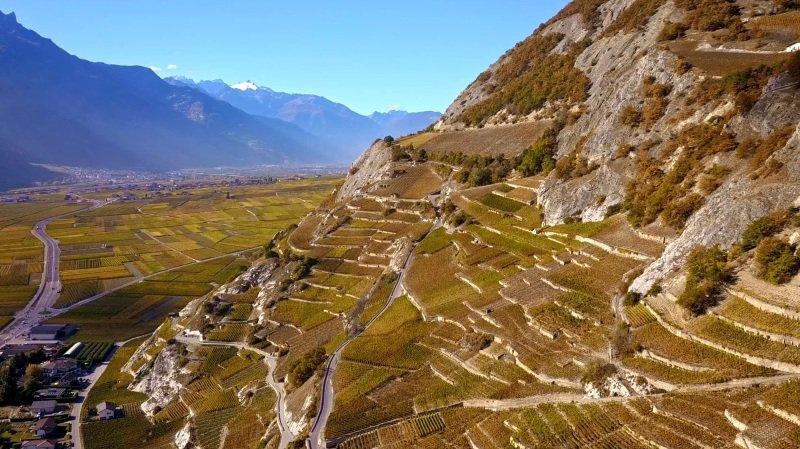 «Le Valais depuis les airs»: vol au-dessus du vignoble valaisan