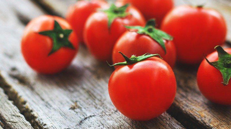 Accidents: tomates cerises, raisins et croûtes de pain sont dangereux pour les enfants en bas âge