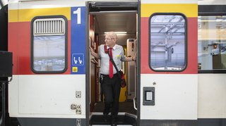 CFF: les contrôleurs donneront l'autorisation de départ seulement une fois à bord du train