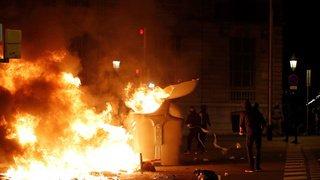 Espagne: troisième nuit d'affrontements entre la police et les indépendantistes en Catalogne