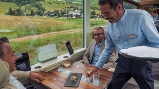 En train de luxe de Zermatt  à Saint-Moritz