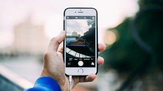 Les Suisses gardent en moyenne 1237 photos sur leur smartphone