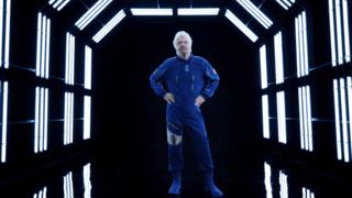 Espace: Virgin Galactic a présenté ses combinaisons de vol pour touristes spatiaux