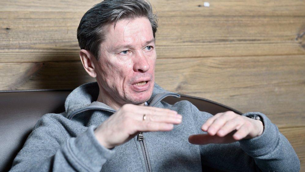 Slava Bykov est membre du conseil d'administration du HC Fribourg-Gottéron SA, ancien capitaine et ancien entraîneur de l'équipe de Russie.