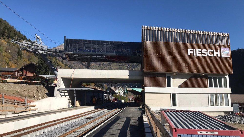 Réunissant train, bus et télécabine, Fiesch a créé un nouveau hub de mobilité.