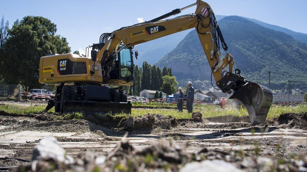 Dans le Haut-Valais, l'excavation des sols pollués a débuté en 2017. La moitié des zones à bâtir sont, pour l'heure, assainies.