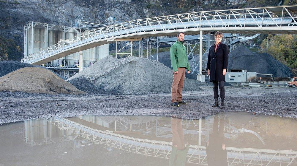 Christophe Grüring (membre du Comité citoyen régional) et Sylviane Coquoz (présidente de Massongex).