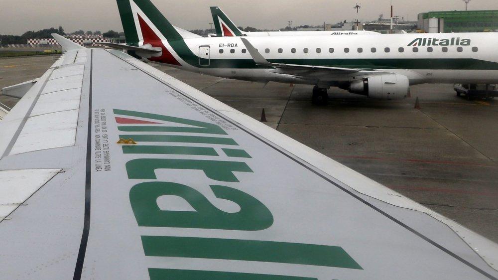 Restructuration, avec licenciement de milliers d'employés, vente ou liquidation... L'avenir d'Alitalia semble sombre.