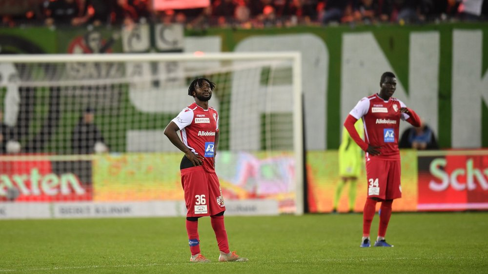 Xavier Kouassi et Birama Ndoye son dépités après la défaite du FC Sion contre le FC Saint-Gall.