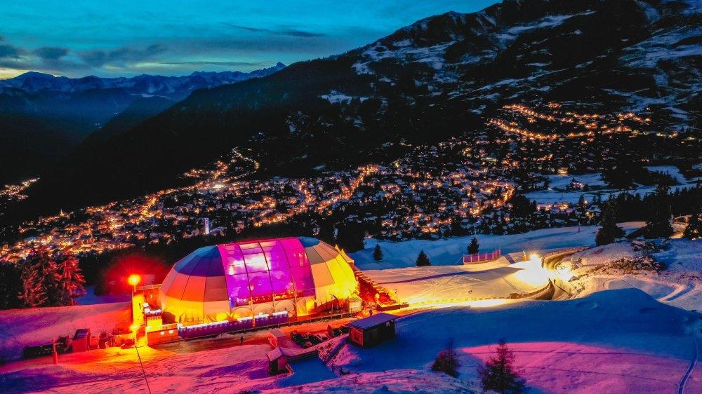Le dôme scintillant du Polaris peut accueillir jusqu'à 2'500 festivaliers.