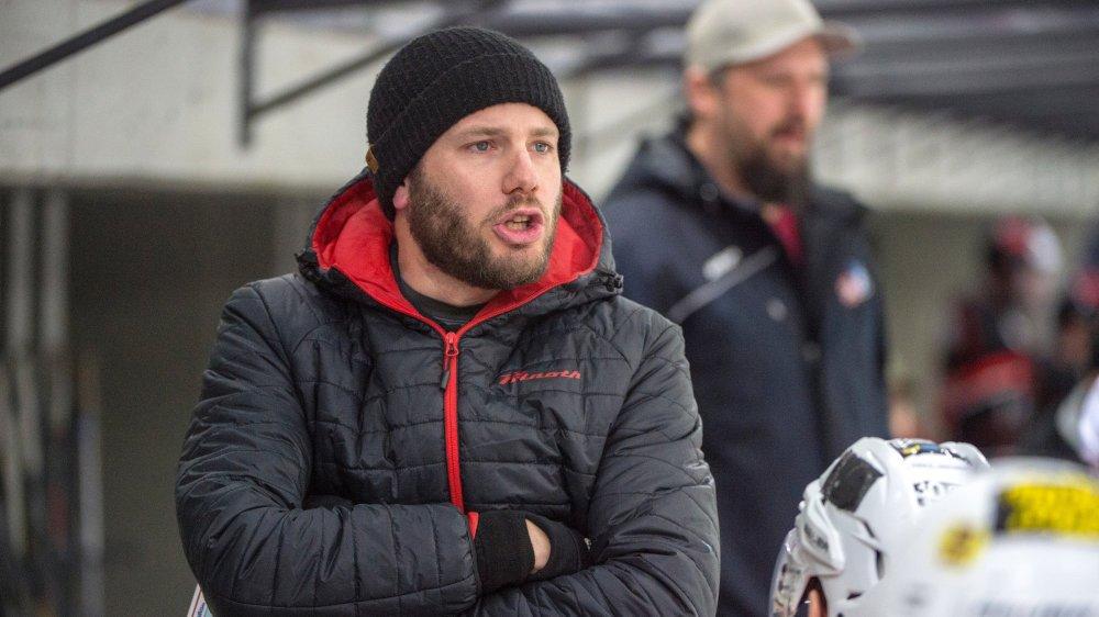 Depuis le départ de Petr Rosol, Yves Constantin a repris en mains le destin du HCV Sion, tout en continuant à s'occuper de l'équipe de 2e ligue.