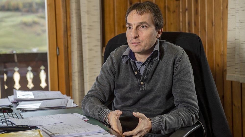 Ismaël Perrin, président de Val-d'Illiez, répond aux accusations du promoteur des Bains.