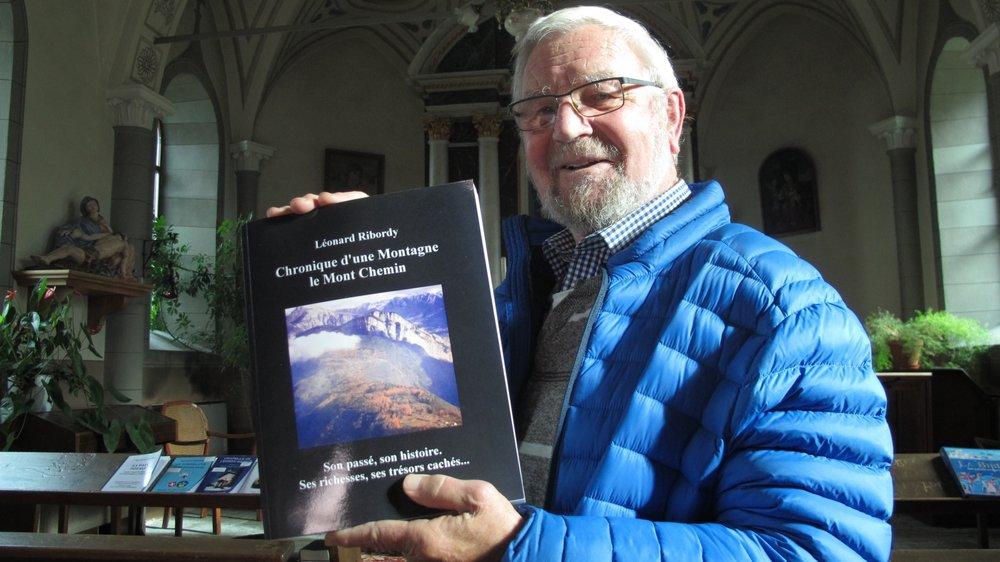 Léonard Ribordy présente son livre sur le Mont Chemin dans un lieu qui lui tient à coeur, la chapelle Notre-Dame des Neiges à Chemin-Dessus. Le Nouvelliste