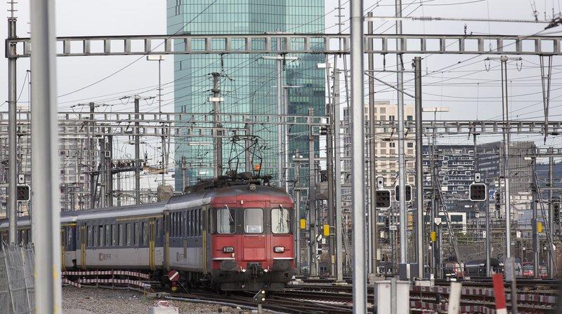 Transports publics: le Conseil fédéral veut revoir le système tarifaire
