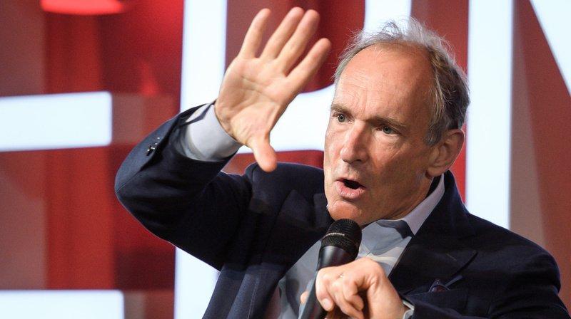 """""""Les gouvernements doivent renforcer les lois et la régulation du monde numérique"""", a déclaré Tim Berners-Lee."""