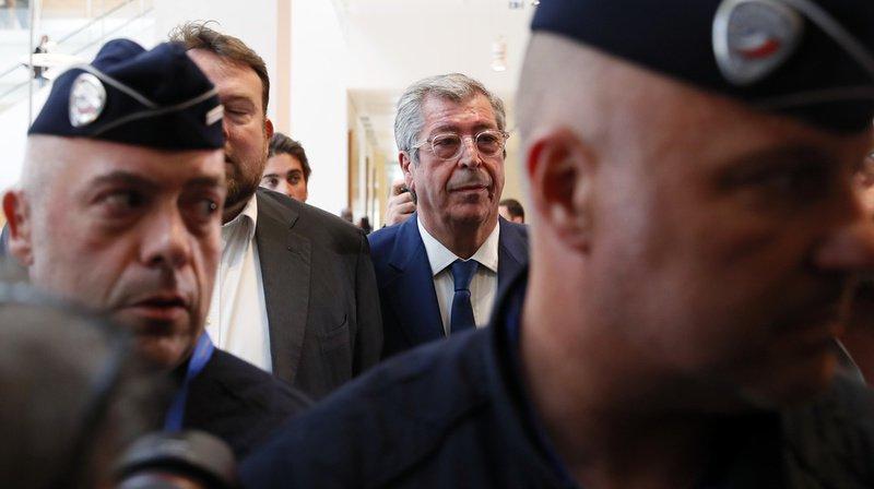 Le politicien français Patrick Balkany a été condamné deux fois: à quatre ans de prison pour fraude fiscale puis à cinq ans de prison pour blanchiment aggravé.