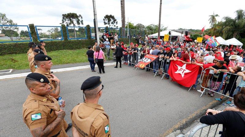 Brésil: l'ex-président Lula a été libéré de prison après plus d'un an et demi d'incarcération