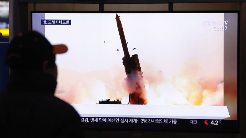 Nucléaire: la Corée du Nord a tiré deux projectiles non identifiés
