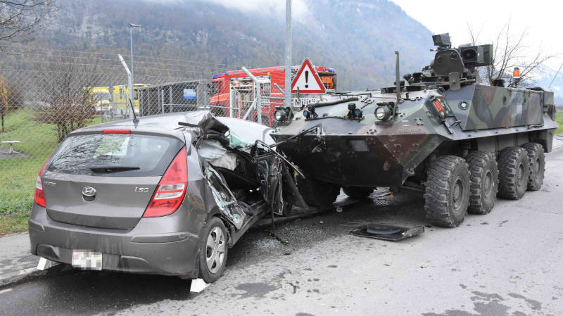 Collision avec un char Piranha de l'armée: une octogénaire succombe à ses blessures