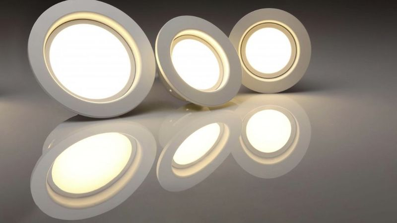 La part de l'éclairage LED a atteint 42,8% du marché helvétique en 2018, soit une augmentation de 14,5% par rapport à l'année précédente.